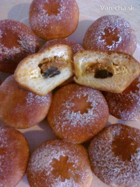 Kysnuté muffiny s tvarohom a karamelovým salkom