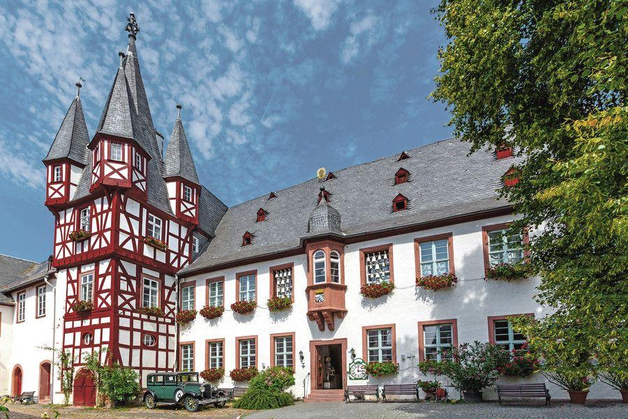 Castles Buildings Rudesheim Und Assmannshausen Am Rhein Houses In Germany Germany Castles Castle
