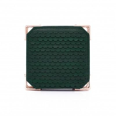 Product Detail   CLUTCH BAG : Hand cut leather    Color : Emerald  Hardware : Pinkgold  H16cm W16cm D4.5cm  One internal pocket  Silk lining  100% Vegetable Tanned Goatskin (Origin : Italy + France)