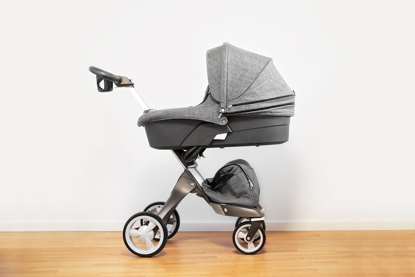 stokke xplory modern stroller with newborn baby carry cot  - stokke xplory modern stroller with newborn baby carry cot accessory  blackmelange fabric  chic