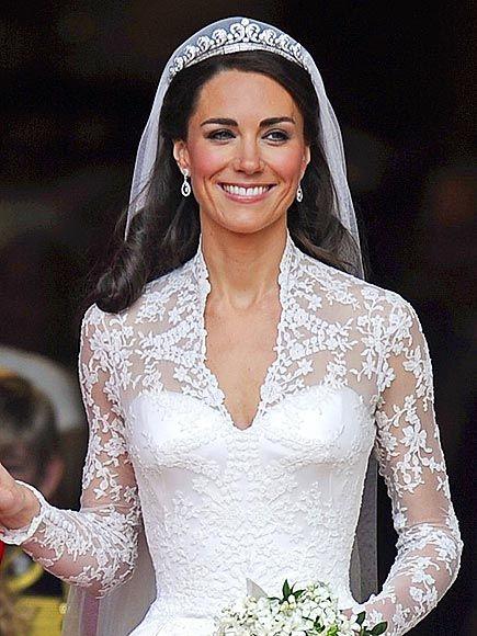 Mariage De Kate Middleton Dentelle De Calais Robes Anciennes Et