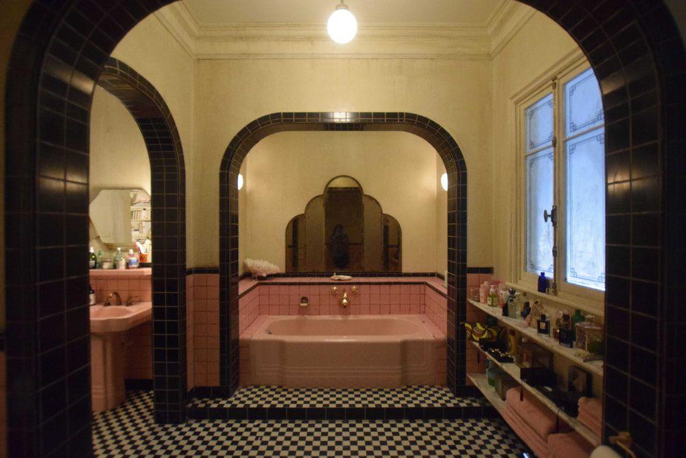 Pin By Zanet Cihlarova On 5 Style French Chic Parisian Bathroom Neutral Bathroom Decor Walk In Shower Designs
