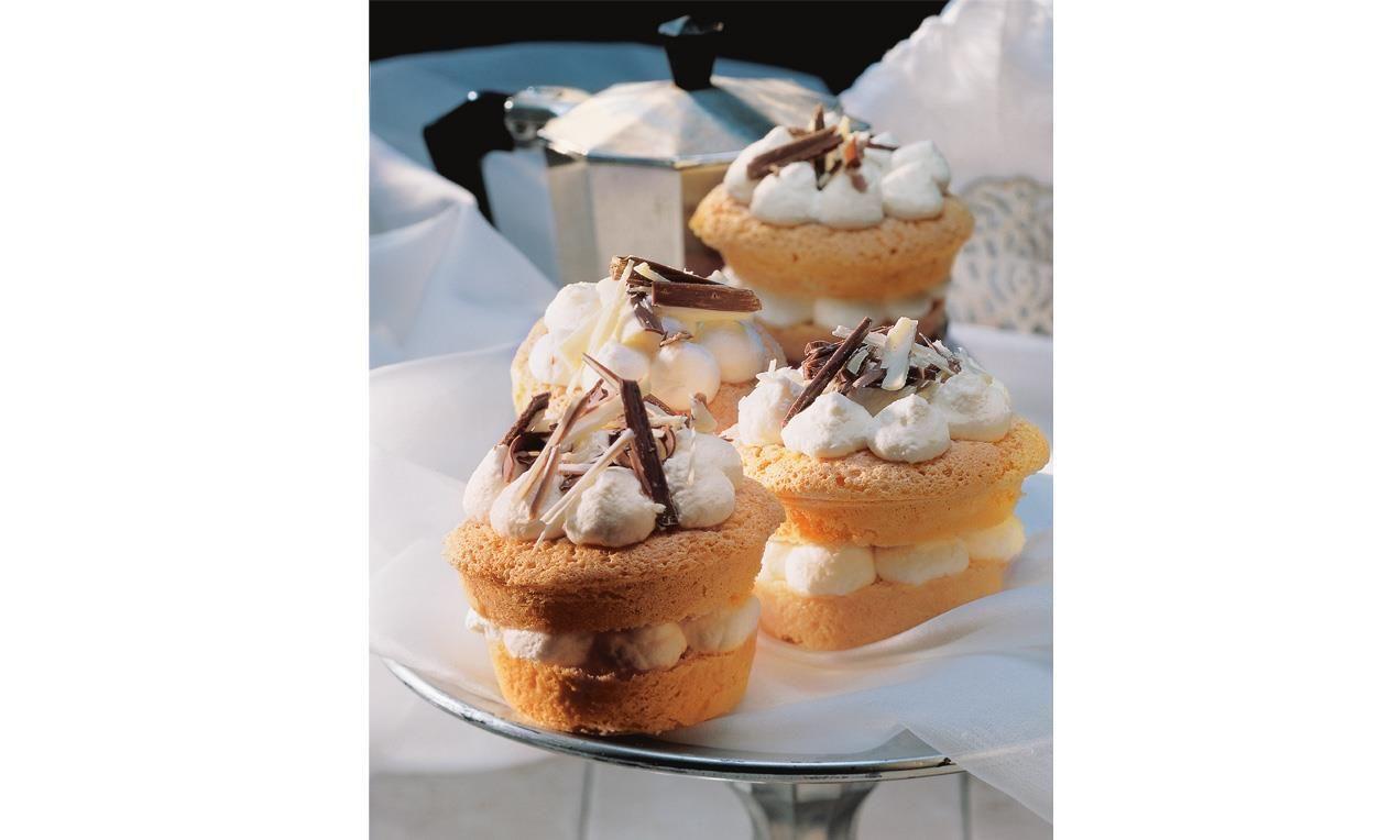 Krönchen-Cupcakes Rezept   Dr. Oetker