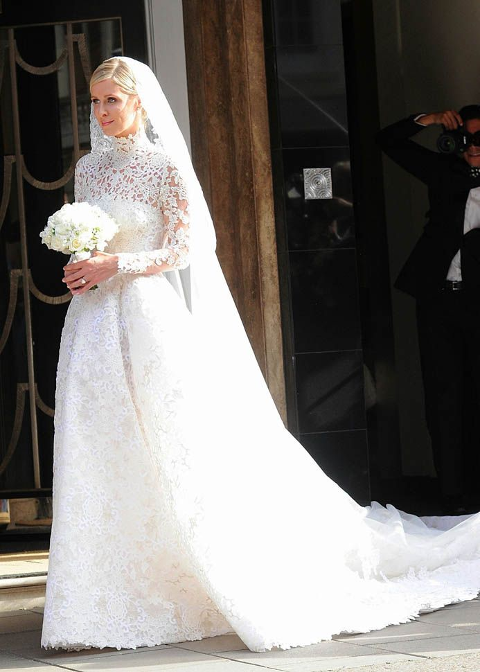 nicky hilton marries james rothschild in valentino, 2015. | vestidos