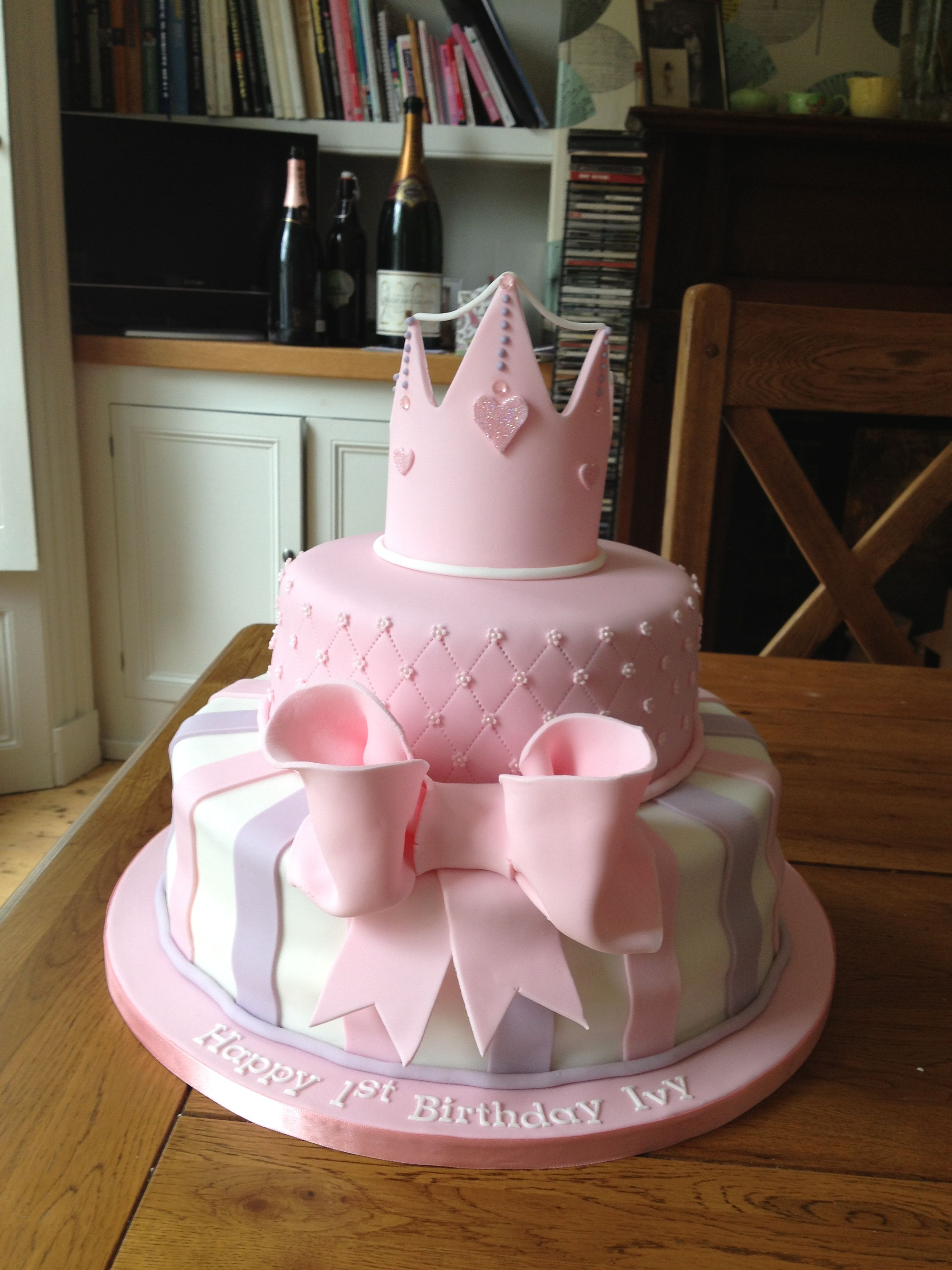 Pleasant Princess Cake For Little Girls 1St Birthday With Images 1St Personalised Birthday Cards Veneteletsinfo