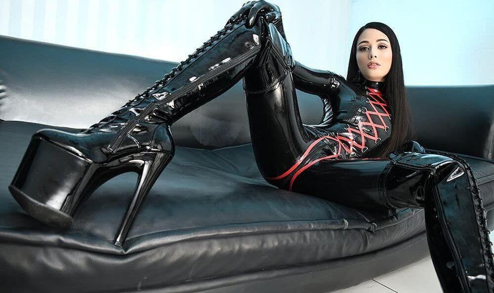 Mistress scarlett