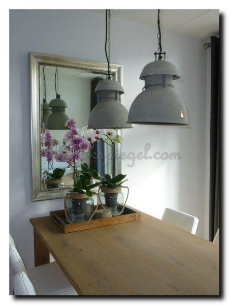 Vergroot je ruimte en geeft meer licht met een spiegel for Spiegel boven dressoir