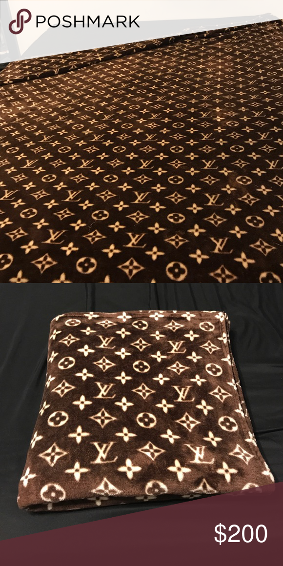 e1b4b2aa346a (Used) Louis Vuitton Logo Supersoft Fleece blanket (Used) Gift Blanket  Custom Louis Vuitton Logo Supersoft Throw Fleece Blanket 58x80 Louis Vuitton  Other