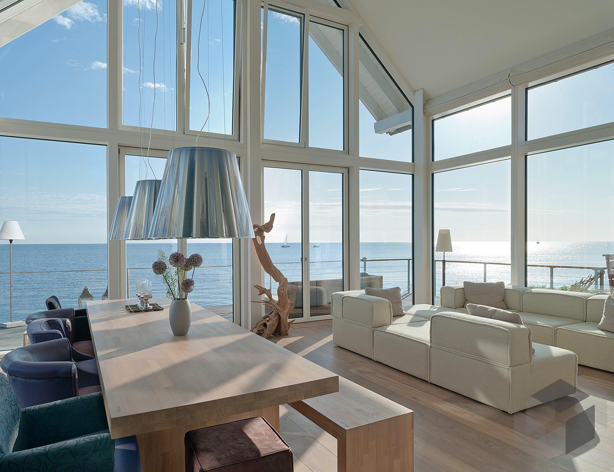 Wohnzimmer mit Meerblick aus dem Haus \