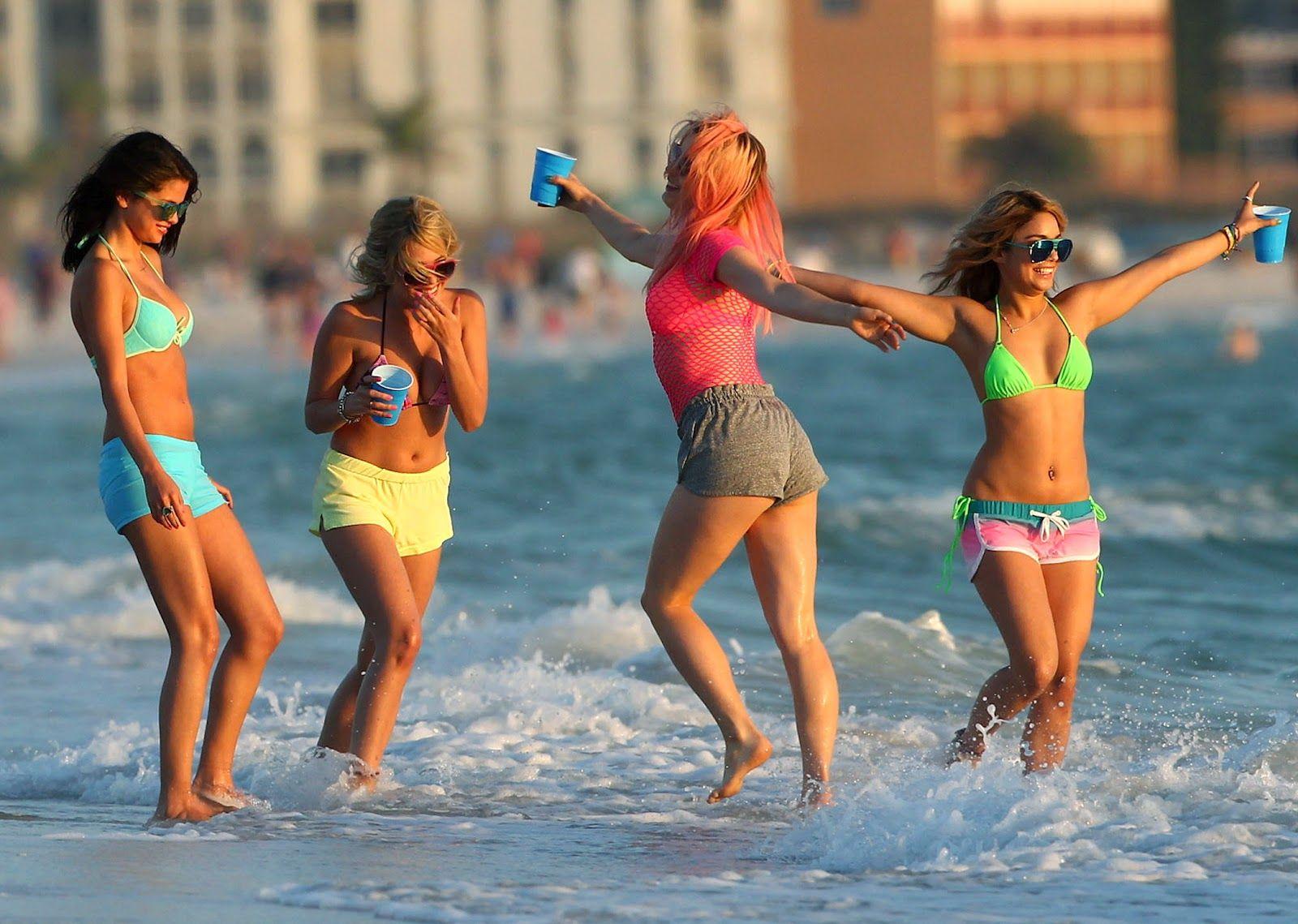 Imgsrc teen girls naked pics