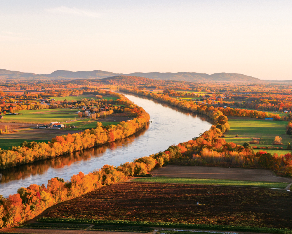 Finding Fall Foliage in the Upper Pioneer Valley | Fall foliage, Scenic  routes, Travel and tourism