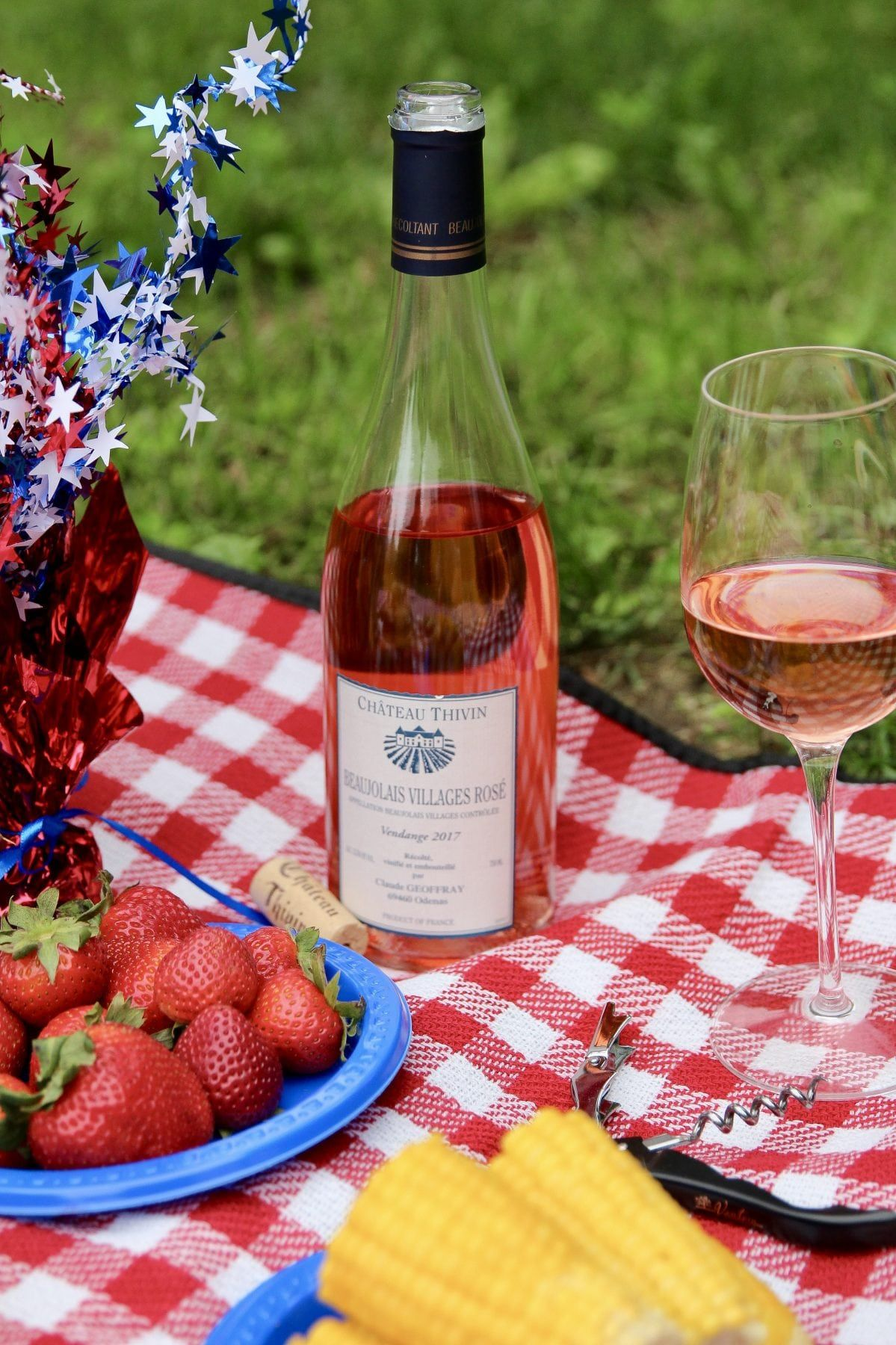 Upgrade Your 4th Of July With Beaujolais Wine Recipe Beaujolais Wine Rose Wine Bottle