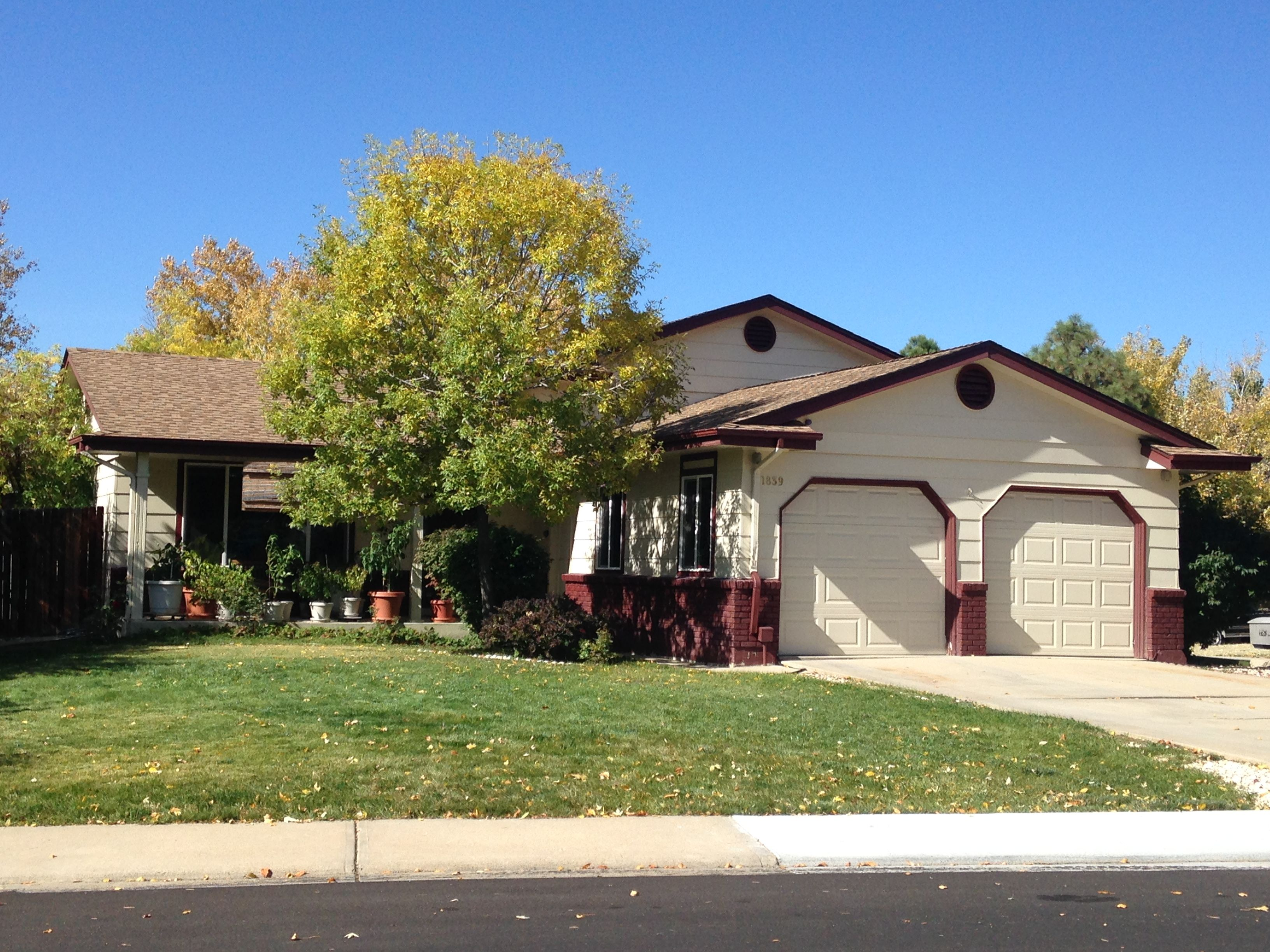 Best This Home In Longmont Has Barkwood Shingles On It From The 400 x 300