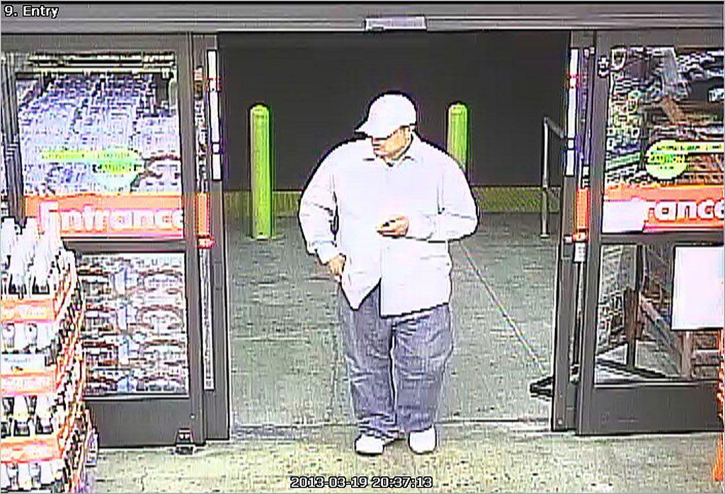 Gunman robs thousand oaks smart final store video http