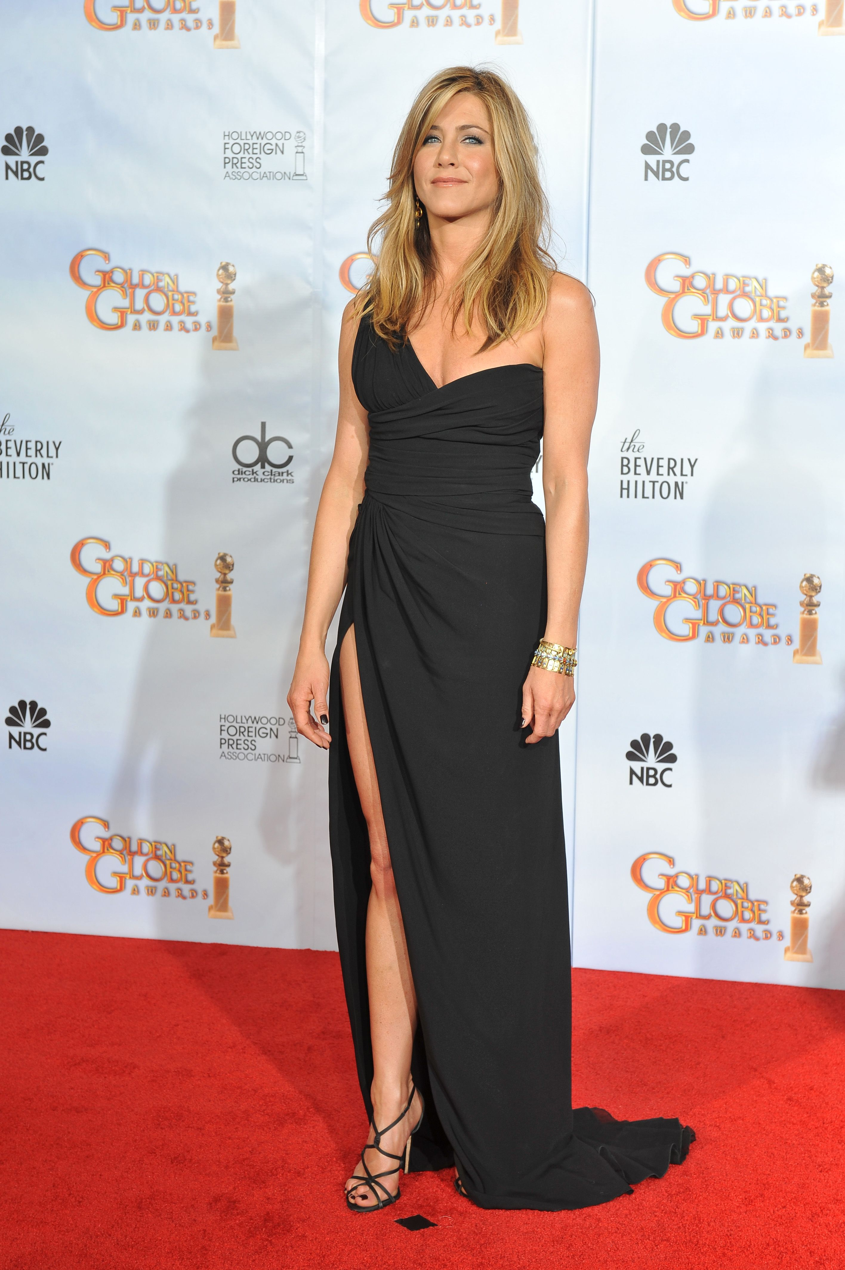 jennifer aniston fully nakes