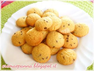 Questi biscotti nascono dalla necessità di usare la farina di ceci, in quanto, essendo tra le vincitrici di un contest del Molino Chi...