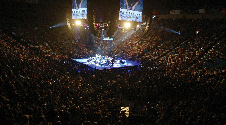 Mgm Grand Entertainment Venues Grand Garden Arena Interior Concert Stage Center 2x Jpg 2 880 1 600 Pixels Mgm Grand Garden Arena Mgm Grands