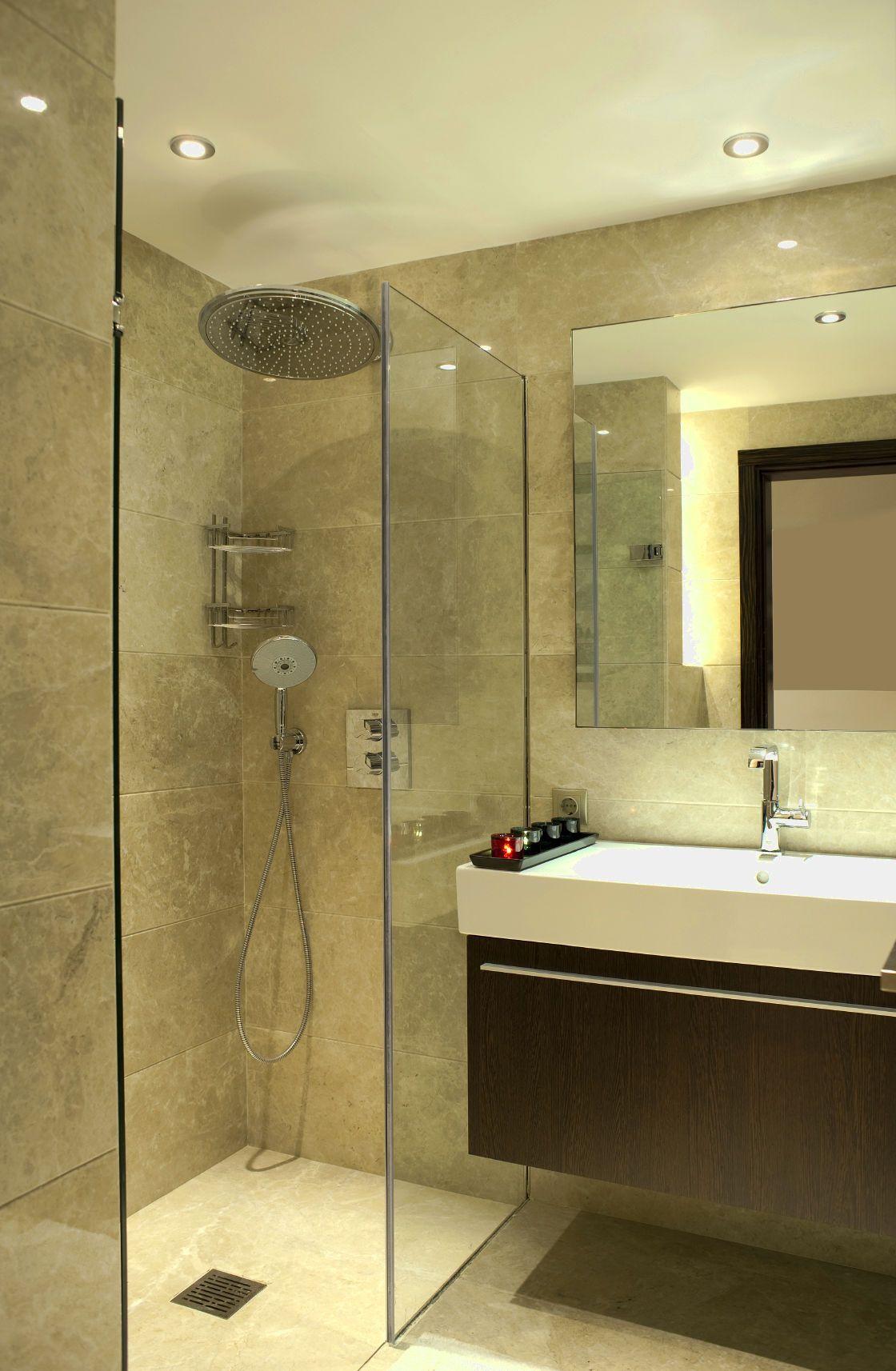 Modern Bathrooms Create A Simplistic And Clean Feeling In Order To Design Your Modern Bath Small Bathroom Renovations Bathroom Layout Ensuite Bathroom Designs