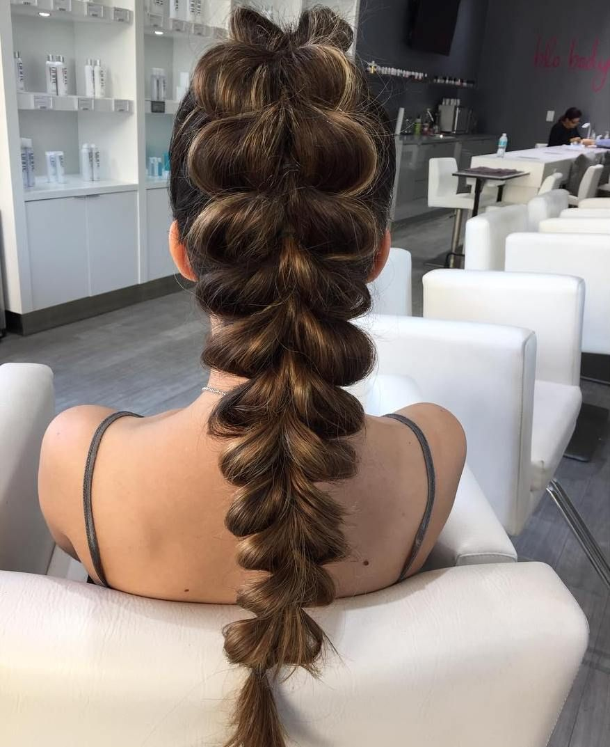 ways to pull off a pull through braid in hair styles