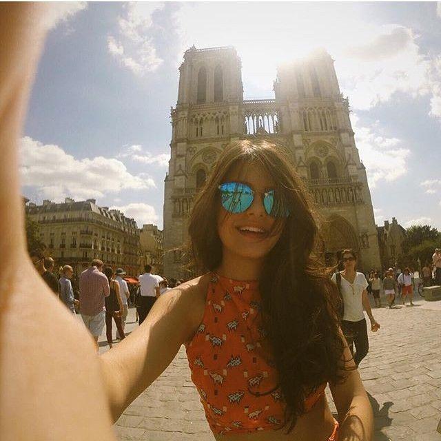 """""""Sinos grandes com sons trovejantes e pequenos com sons de coração. Paris, são divinos os sons de seus sinos, os sons... Os sons de Notre Dame."""" O Corcunda de Notre Dame  PROJETO PARIS DEZEMBRO DE 2015   Informações cursodemodaemparis@gmail.com ou deixe seu e-mail para que possamos retornar!"""