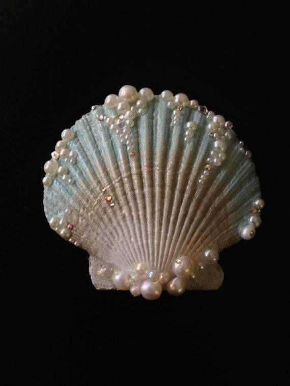 Landlocked seashell hair clip etsy mermaids pinterest for Seashell ornaments craft