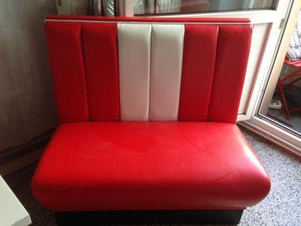 Dinerbank Rot weiß Polster Bank Sofa in Niedersachsen