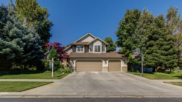Best Welcome To This Charming Home In Draper Easy Access To 400 x 300