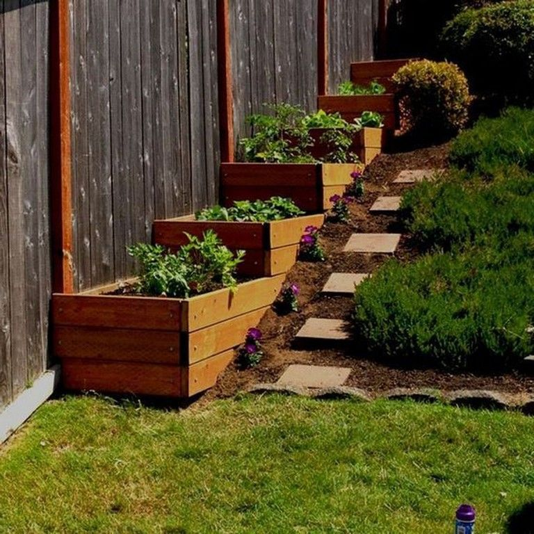 Landscaping Ideas For Sloped Front Yard: 36+ Cool Sloped Yard Fence Ideas For Any Houses