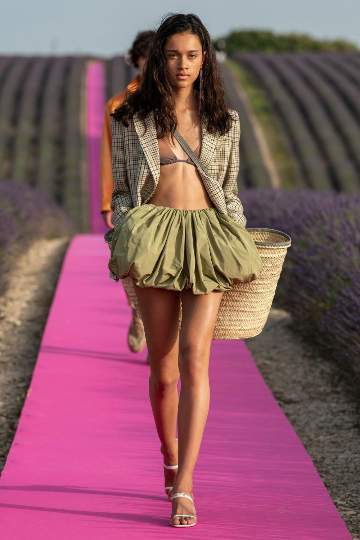 Jacquemus Spring 2020 Ready To Wear Collection Vogue Fashion Fashion Week Fashion Show