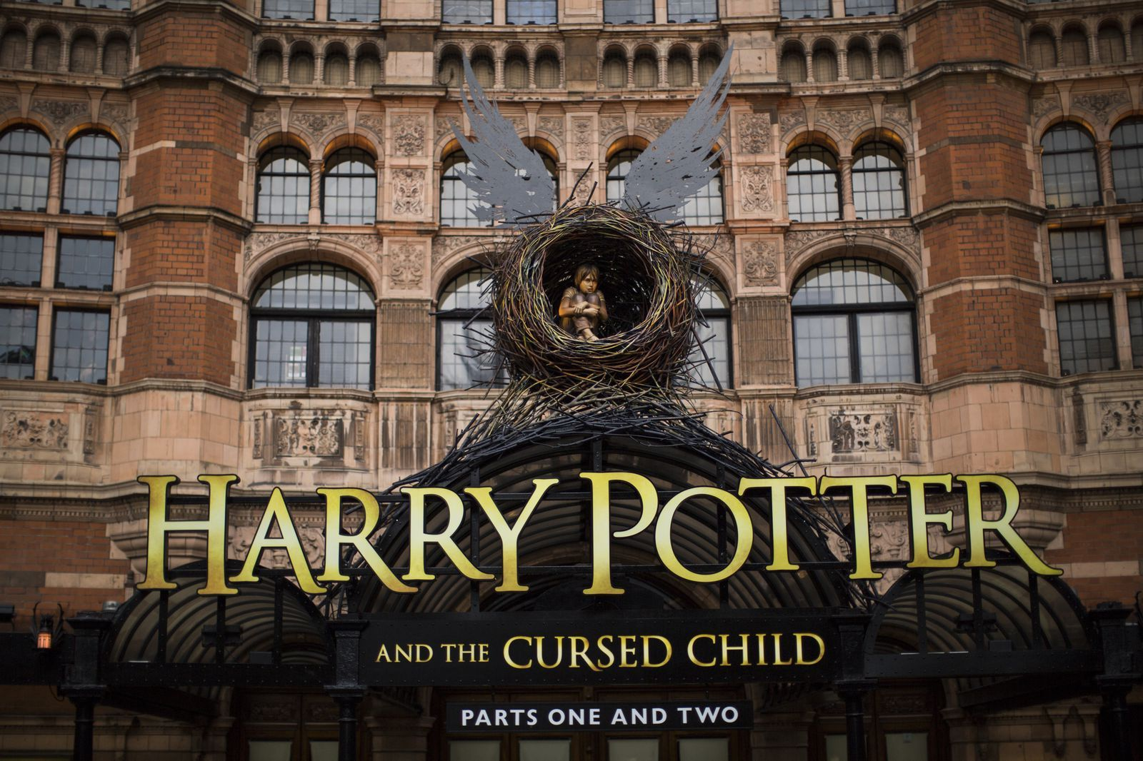 10 Harry Potter And The Cursed Child Facts Even The Biggest Hp Fans Don T Know Con Imagenes