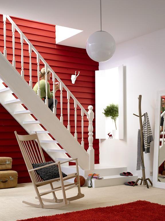 Die rote Wand Eingangsbereich im skandinavischen Look - farbgestaltung im flur eingangsbereich