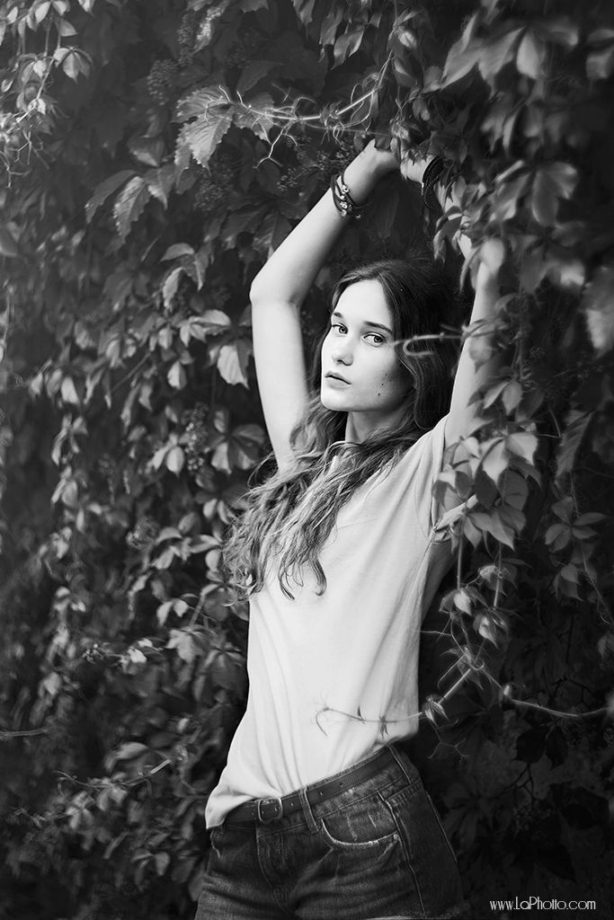 by Laura Norinkevičiūtė (www.laphotto.com) #model #simple #modeltest #pose #summer #young #slim #blackandwhite #portrait #face #laphotto