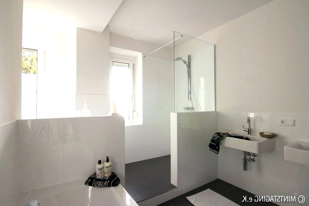 Bad Erneuern Badezimmer Sanieren Und Renovieren Mit Naturstein Fliesen Und Leuchten A 1 4 Ber Dem