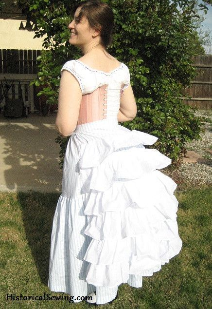 Truly Victorian TV101 Petticoat with Wire Bustle Pattern | Kleidung