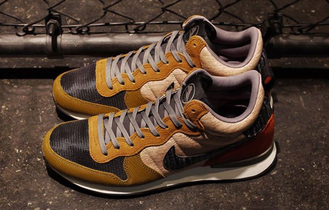 Anybody know where to get these in US EU Nike Internationalist Mid QS Dark  Ash/Dark Shadow Style