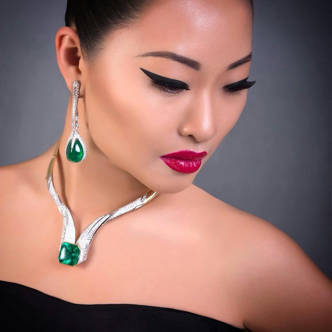 @scavia_official.   Greed mood! #scavia #emerald #necklace #earrings