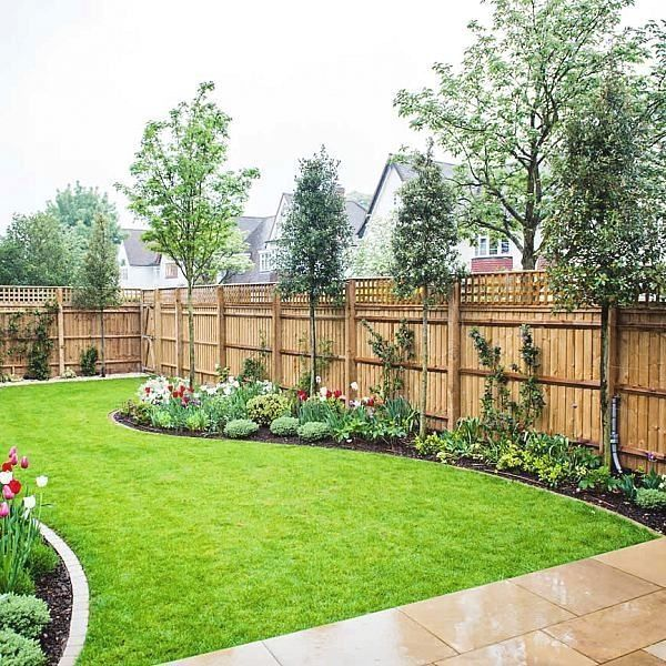 Garden Fence ideas , A home with yard fencing panels in the