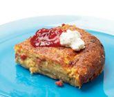Ett+recept+på+smakrik+och+mättande+rotfruktspannkaka.+Du+gör+ugnspannkakan+av+bland+annat+bacon,+mjöl,+mjölk,+ägg,+potatisar,+morötter+och+palsternacka.+Servera+pannkakan+med+lingonsylt+och+krämig+keso.