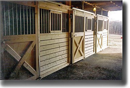 Image gallery horse barns stalls for Horse stall door plans