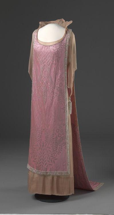 Queen Maud's Evening Dress - c. 1920 - Made in London, England - Silk, metal, glass - Nasjonalmuseet for Kunst, Arkitektur og Design, Oslo - @~Mlle