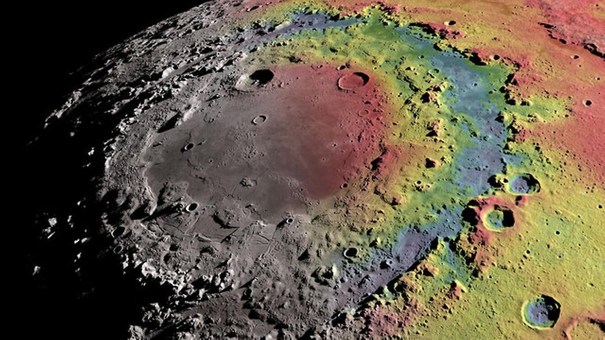 Von der Erde aus nur knapp zu sehen: Rätsel um Mondkrater mit drei Ringen gelöst