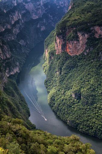 Cañon Sumidero Chiapas, México. Buen día comunidad