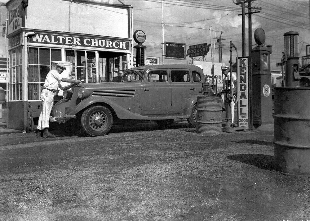Details About 8x10 Print Walter Church Kendall Motor Oil Gas Station Los Angeles Ca 1948 Kmo In 2020 Gas Station 8x10 Print Gas