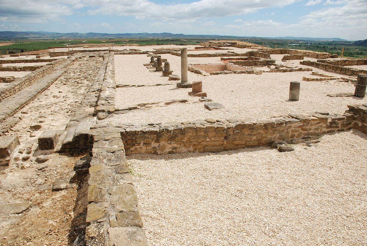 CIUDAD ROMANA DE ANDELOS ( Mendigorría, Navarra) - El descubrimiento más notable es su sistema de abastecimiento de aguas y una ocupación desde el s IV a.C hasta la Edad Media.