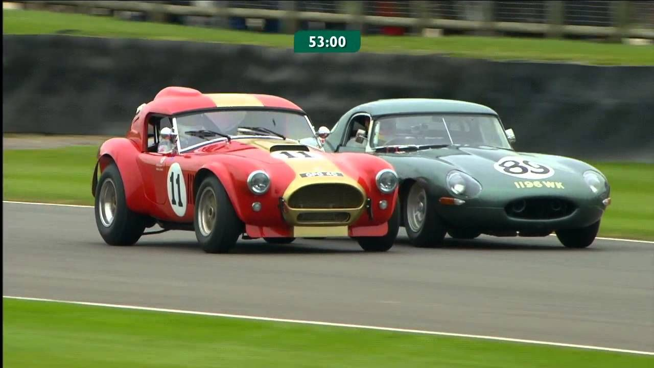 Sliding overtake on the outside for Jaguar to beat Cobra