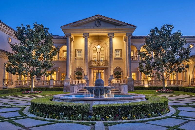 An Awe Inspiring Ron Firestone Designed Villa Bellosguardo Dream Homes Luxury Mansions Celebrity Ho Luxury Homes Dream Houses Mansions Luxury Luxury Garden