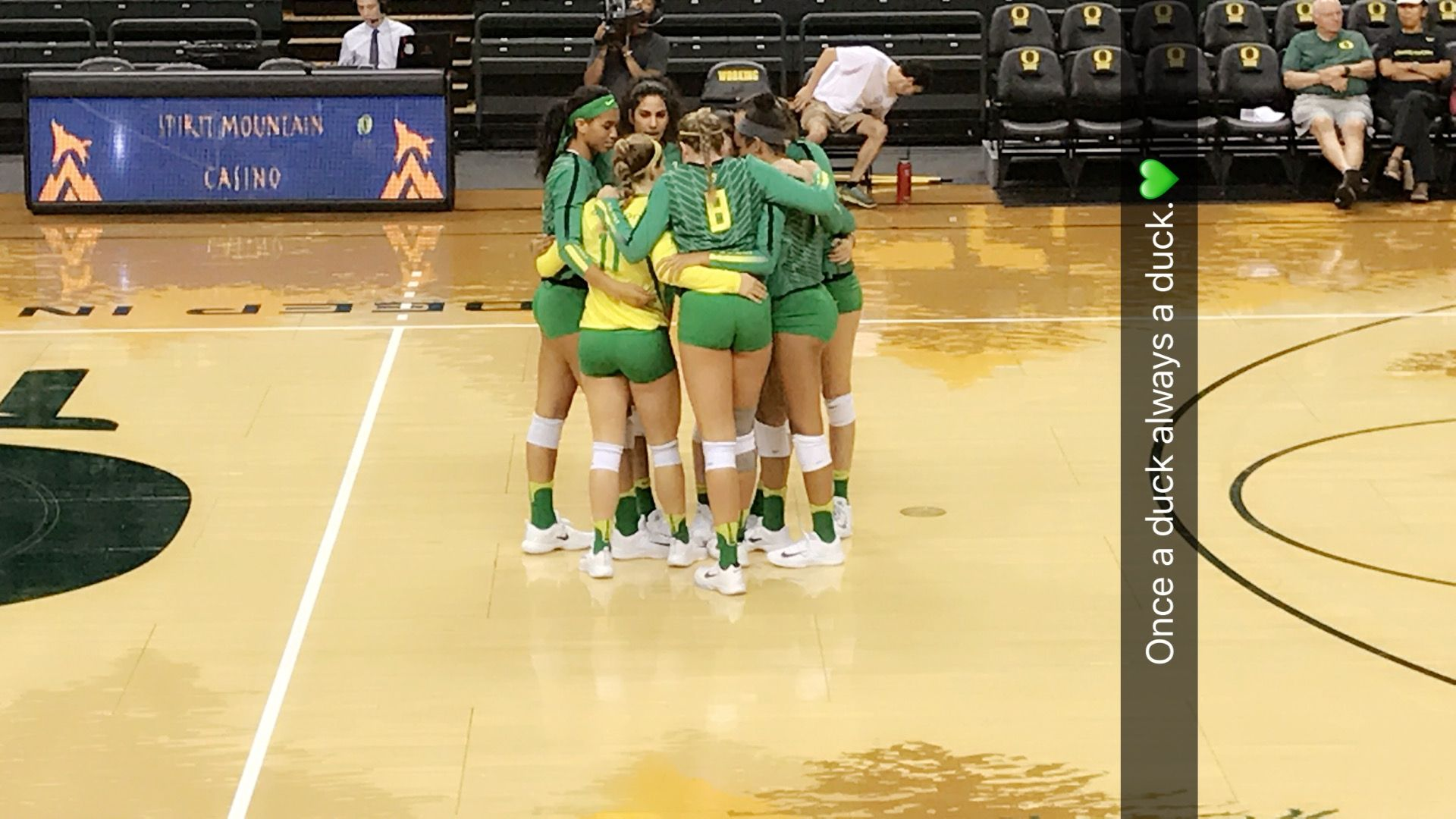Oregon Ducks Volleyball Image By Abby Trauman Beach Volleyball Volleyball Oregon Ducks