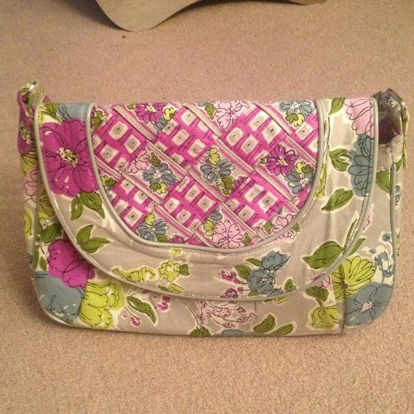 592915f5261b 💢REDUCED AGAIN💢 Vera Bradley Purse Vera Bradley RETIRED Watercolor print  handbag (March 2011-May 2012)... I believe it is the
