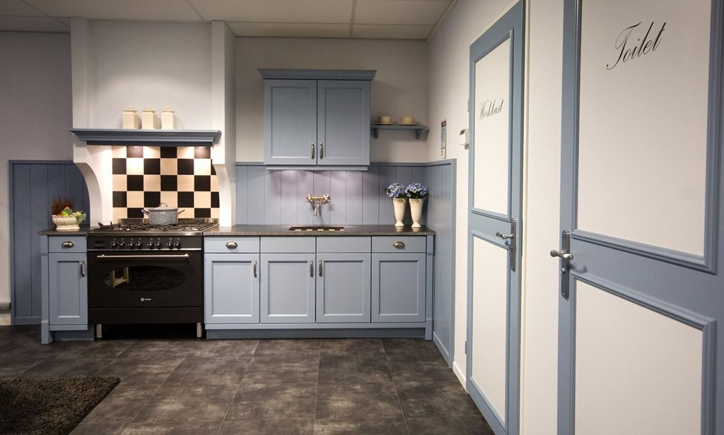 Grey Kitchen Cabinets With Bluestone Flooring
