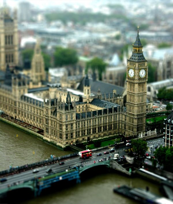 Tilt Shift #London - Love playing with Tilt Shift! The photos turn out so cool! ~ http://VIPsAccess.com/luxury-hotels-london.html